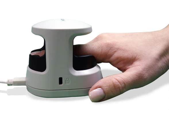 M2-FuseID reading a fingerprint